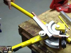 Plumbing: Offset pipe bend